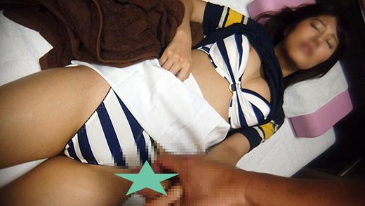 (お休み姫vs整体師)お休み中の女子大生に痴漢施術